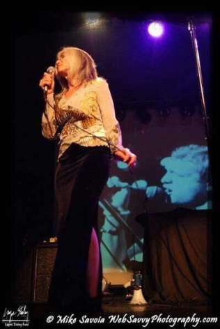 Nancy singing 'Wake Up' - photo by Mike Savoia 2007